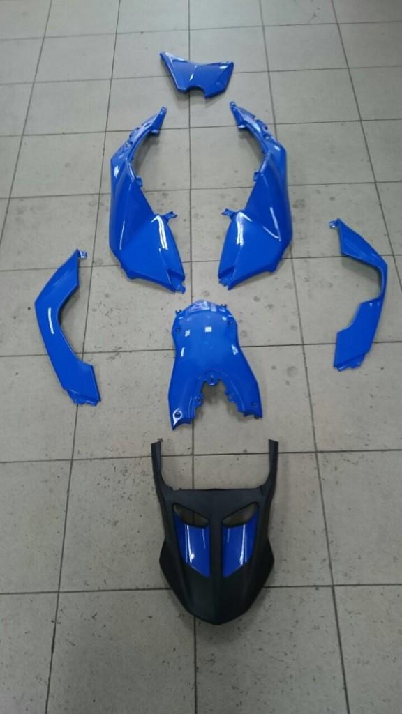 carenado de moto bmw f800 desmontado
